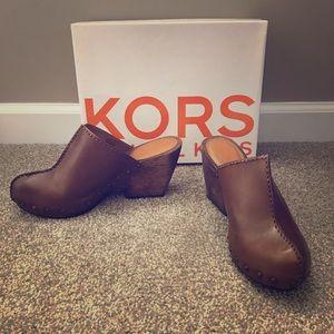 NIB Michael Kors leather Windsor Clogs